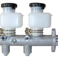 Wilwood Dual-Outlet Master Cylinder